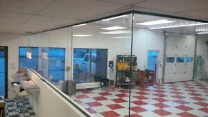WINDSHIELD REPAIR & REPLACEMENT