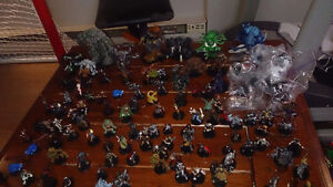 122 Dungeons and Dragons miniatures
