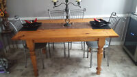 Beautiful Pine Block Table with 4 chairs!!!