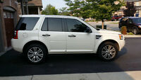 2010 Land Rover LR2 HSE EXTREMELY LOW KILOMETERS!!