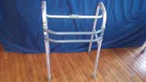ALUMINUM PORTABLE WALKER