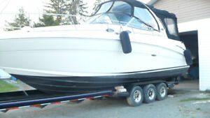 SEA RAY 300 2002 '''SANS TAXES ``````REMORQUE INCLUSE.
