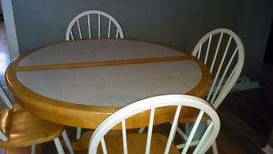 Table and chairs for sale. St. John's Newfoundland image 1