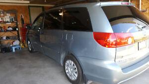 2006 Toyota Sienna Fwd Minivan, Van