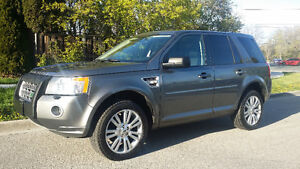 2010 Land Rover LR2 HSE SUV, Leather, dual sunroof, AWD!!