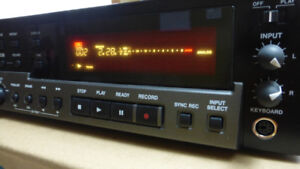 Pro Audio CD Recorder TASCAM CD-RW900 for sale