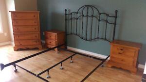 All wood furnitures/ Meubles bois franc