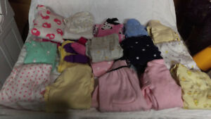 Selling girl newborn baby clothes