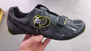 New cycling shoes size 47 12 US Pearl izumi race road IV