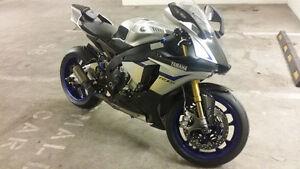 2016 Yamaha R1M (lots of extras)