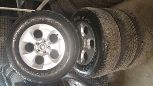 Got 5 255/70R18 OE Take Off Jeep Tires Rims With TPMS