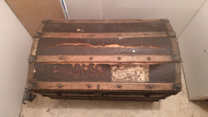 Antique Humpback Steamer Chest! 1800 to 1803!!