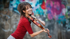 LINDSEY STIRLING 4TH ROW FLOORS-PARTERRE 4ieme RANGEE