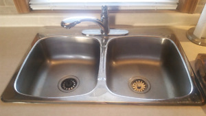 Stainless sink and Delta faucet