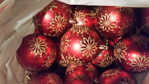 30 Red and Gold Flower Shatterproof Ornaments