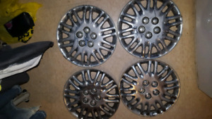 4 15inch hubcaps 30dollers
