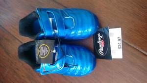 brand new boy size 9 soccer shoes