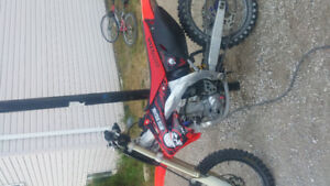 "looking to sell my 2003crf450r look's nice and run""s mint"