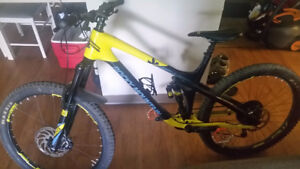 2017 Rocky Mountain Slayer 770 Large Carbon