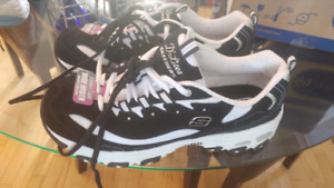 Size 11 wide Womans Sketchers- brand new with tags