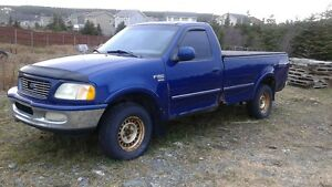 1998 Ford F150 XLT 4x4 suitable for parts