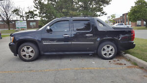 FULLY LOADED Chevrolet Avalanche 2009 SUV, Crossover