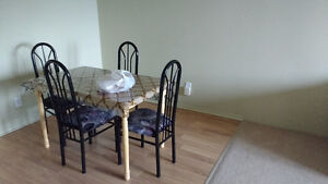 A Beautiful 2 Bedrooms Condo Available Immediatly