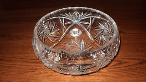 Gorgeous Pinwheel Cut Glass Lead Crystal Curl-Footed Bowl