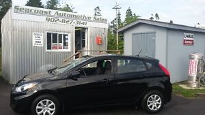 2014 Hyundai Accent LOW MILAGE!! FREE WINTER TIRES