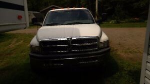 Package deal 1995 Dodge diesel, 1998 31 ft holiday ramble,fifth