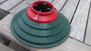 heavy duty plastic Christmas Tree stand for real tree-green/red