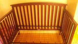Grago Baby crib 3 in one all solid wood metal frame