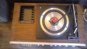 Vintage Record player, AM/FM receiver, Tape deck London Ontario image 1