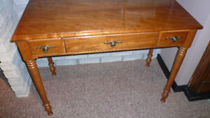 Detailed Quality Sofa Table LOVELY Exc. Shape