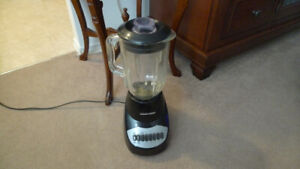 Black & Decker 10-Speed Blender with Glass Pitcher