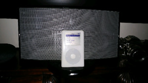Bose speakers and iPod 20GB + music
