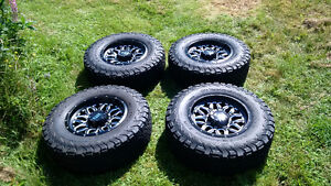 Ford Super Duty wheels and tires. 2011-2016