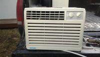 Air climatisée  5200 btu - 5000 btu & 12300 btu
