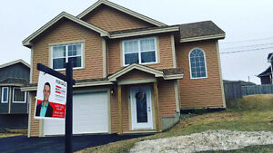 Beautiful 5 Year Old 3 Bedroom House in Paradise Attached Garage