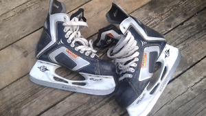 Easton Externo E60 hockey skates  (new)