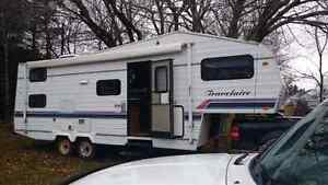1994 26 Ft Travelaire Fifth Wheel Camper