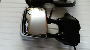 Nissan OEM Powered, Heated and Memory Telescoping Tow Mirrors St. John's Newfoundland image 3