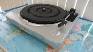 LP TURNTABLE RECORD PLAYER WITH USB