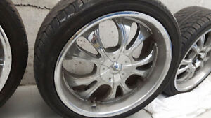 "22"" chrome rims 265/40R22"