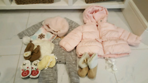 Baby girl clothes (9m - 12m)