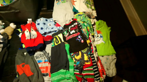 Box of boy clothes 12 to 18 months