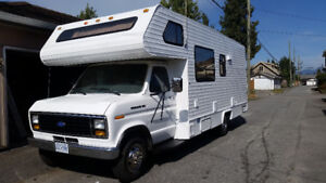 1990 Ford Econoline 350 24ft motorhome with solar and 42in tv