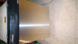 Kenmore Stainless steel dishwasher in good condition