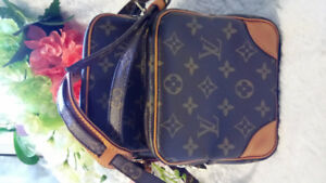 LV amazone sling bag