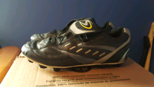 Women's size 10 cleats